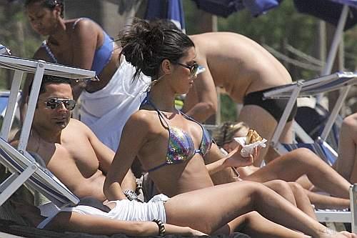federica nargi bikini. La Nargi a Sabaudia con
