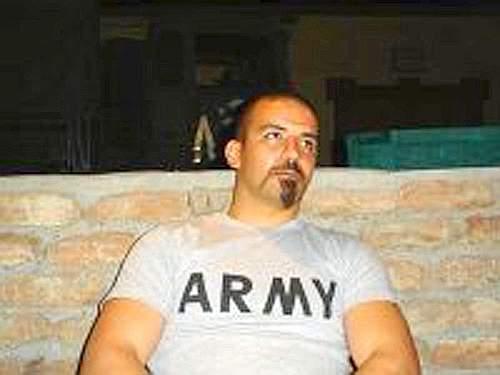 Le immagini dei sei militari italiani uccisi in un attaqcco a Kabul. Nella foto il primo caporal maggiore Davide Ricchiuto (Emmevi)