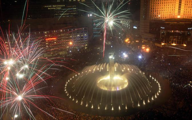 Il Capodanno a Giacarta, in Indonesia (Ap)