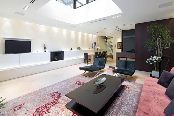 Il loft a Manhattan, da 50 mila dollari al mese, in cui Dominique Strauss-Kahn è ai domiciliari. L'ex numero uno del Fondo monetario internazionale è accusato di aggressione sessuale e tentato stupro (Photomasi)