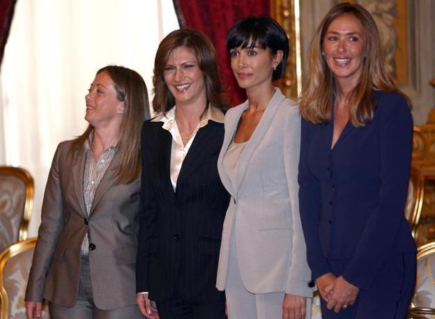 Le donne ministro del quarto governo Berlusconi: Giorgia Meloni, Mariastella Gelmini, Mara Carfagna e Stefania Prestigiacomo (Ansa)