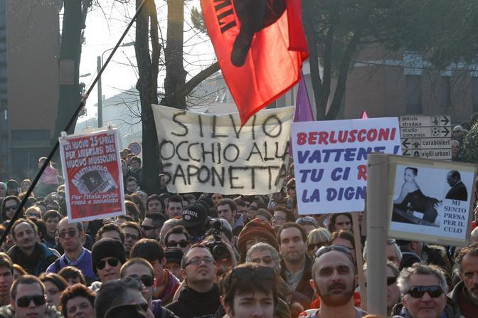http://images.corriereobjects.it/gallery/Politica/2011/02_Febbraio/palasharp/2/img_2/ber_20_672-458_resize.jpg