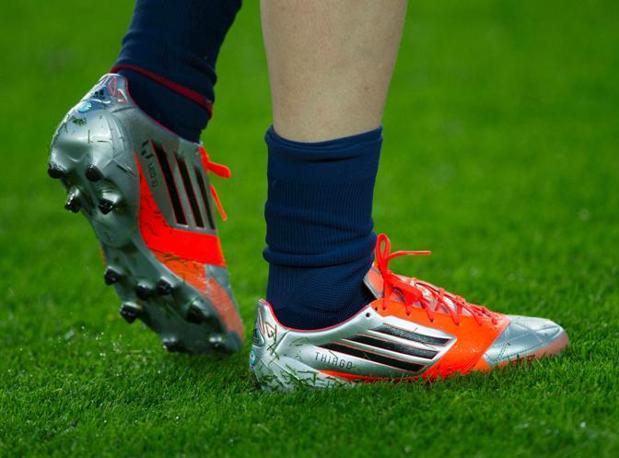 innovative design 4d19f 6c283 Messi mette il nome del figlio Thiago sulle scarpe