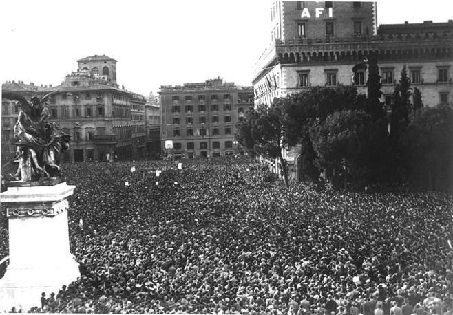 Il discorso di Mussolini a piazza Venezia